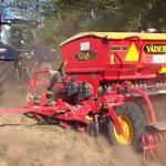 New Holland T7070 Blue Power Vaderstad Rapis siew soczewicy 150x150 Maszyny New Holland w kukurydzy   VIDEO