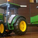 John Deere 5115M zabawka Bruder 150x150 Case IH Optum 300 CVX – Traktor Roku 2017 w skali 1:32