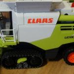Claas Lexion 780 TT Bruder 150x150 Case IH Optum 300 CVX – Traktor Roku 2017 w skali 1:32