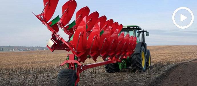AGRO-MASZ Giant - nowy 8–skibowy pług obracalny