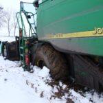 DSCF7221 150x150 Pech kombajnu John Deere WTS 9560 w zimowym docinaniu kukurydzy   FOTO