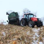 DSCF7224 2 150x150 Pech kombajnu John Deere WTS 9560 w zimowym docinaniu kukurydzy   FOTO