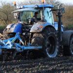 New Holland T7070 kultywator Mandam uprawa wtopai 2017 film 150x150 Maszyny New Holland w kukurydzy   VIDEO