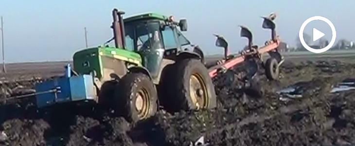 Wtopa lokomotywy! John Deere 4755 w ciężkiej orce - VIDEO