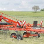 Kuhn zgrabiarka jednokaruzelowa GA 150x150 188,9 ha w 8 godzin! Nowy rekord w zgrabianiu trawy