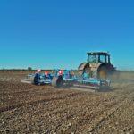 DSC01117 150x150 Uprawa przedsiewna w CGFP. W polu John Deere i Case IH z agregatami Farmet   FOTO