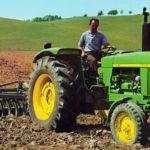 John Deere 100 lat traktor parada 150x150 Historia ciągników John Deere    cześć I (1918 – 1950)