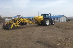 Souprava FB 3000 a TN 3000 HM7RT pripravena k praci 300x200 Maszyny BEDNAR pracują na chińskich polach