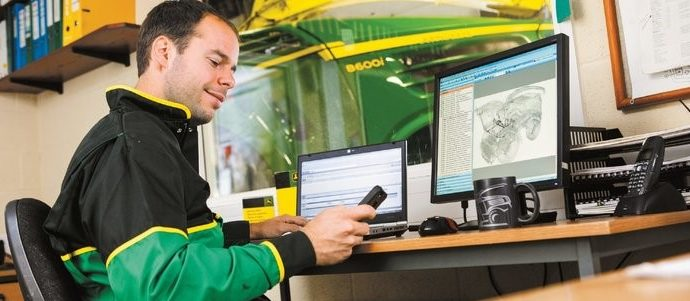 John-Deere_connected_support