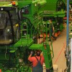 John Deere fabryka kombajnow 150x150 Jak wsparcie profesjonalnego dealera może uratować żniwa