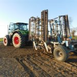 DSCN6536 150x150 Claas Axion 920 i New Holland T8020 w uprawie przedsiewnej w RZD Minikowo   FOTO