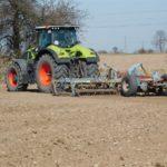 DSCN6582 150x150 Claas Axion 920 i New Holland T8020 w uprawie przedsiewnej w RZD Minikowo   FOTO