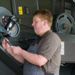 Claas garazowanie kombajnu 150x150 Kontrola kombajnu po żniwach. Dlaczego jest tak istotna dla użytkowania maszyny?