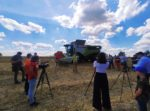 IMG 20200717 WA0004 150x111 CLAAS LEXION 6800 w jęczmieniu – pokazy w Agro Land   FOTO