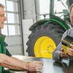 John Deere czesci serwis 150x150 Przegląd smarowania, hydrauliki i odpowiednie ustawienia GPS, czyli przygotowanie ciągnika do siewu zbóż