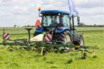 koszenie i zbiór traw UŁĘŻ 2021 294 150x100 Pokazy koszenia i zbioru traw w Ułężu – Pokaz przetrząsaczy i zgrabiarek   fotorelacja