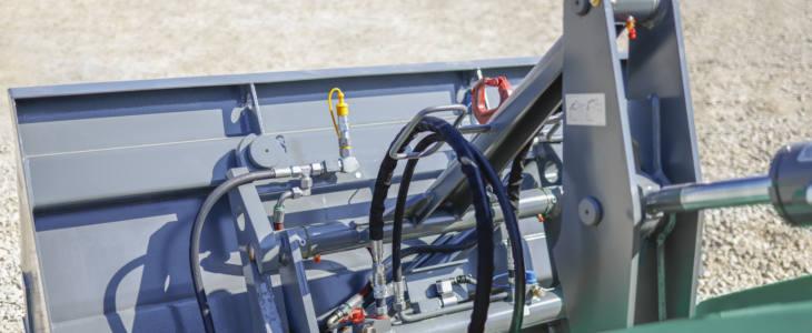"""Kramer1 Kramer wprowadza w pełni hydrauliczny system szybkiej wymiany osprzętu """"Smart Attach"""""""