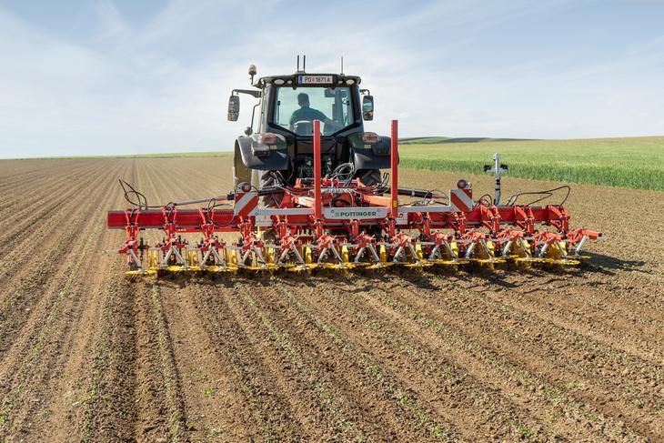Pottinger flexcare Pöttinger wprowadza maszyny do mechanicznej pielęgnacji upraw