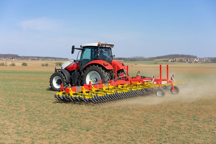 Pottinger tinecare Pöttinger wprowadza maszyny do mechanicznej pielęgnacji upraw