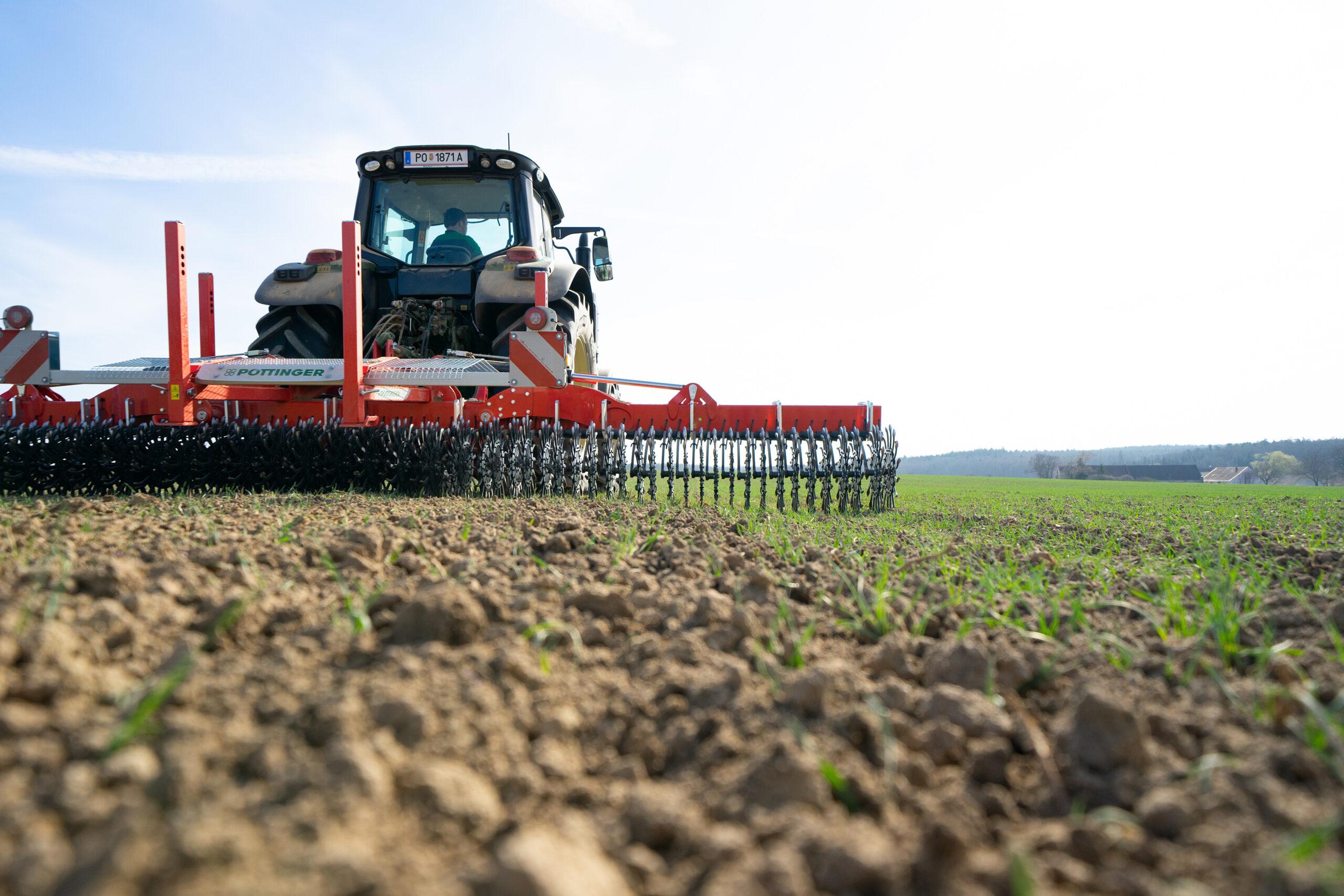 rotocare 2 hq scaled Pöttinger wprowadza maszyny do mechanicznej pielęgnacji upraw